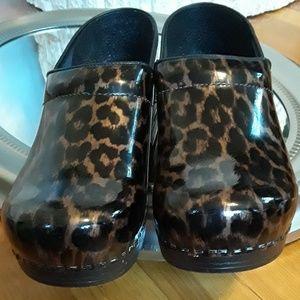 Dansko Shoes - EUC! Dansko Leopard Clogs